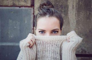 Trpia vaše oči svetloplachosťou?